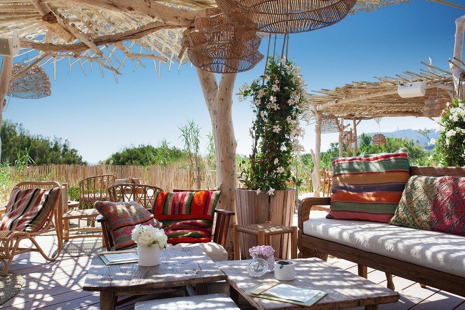 Un restaurant au bord de l'eau à Saint Tropez 4