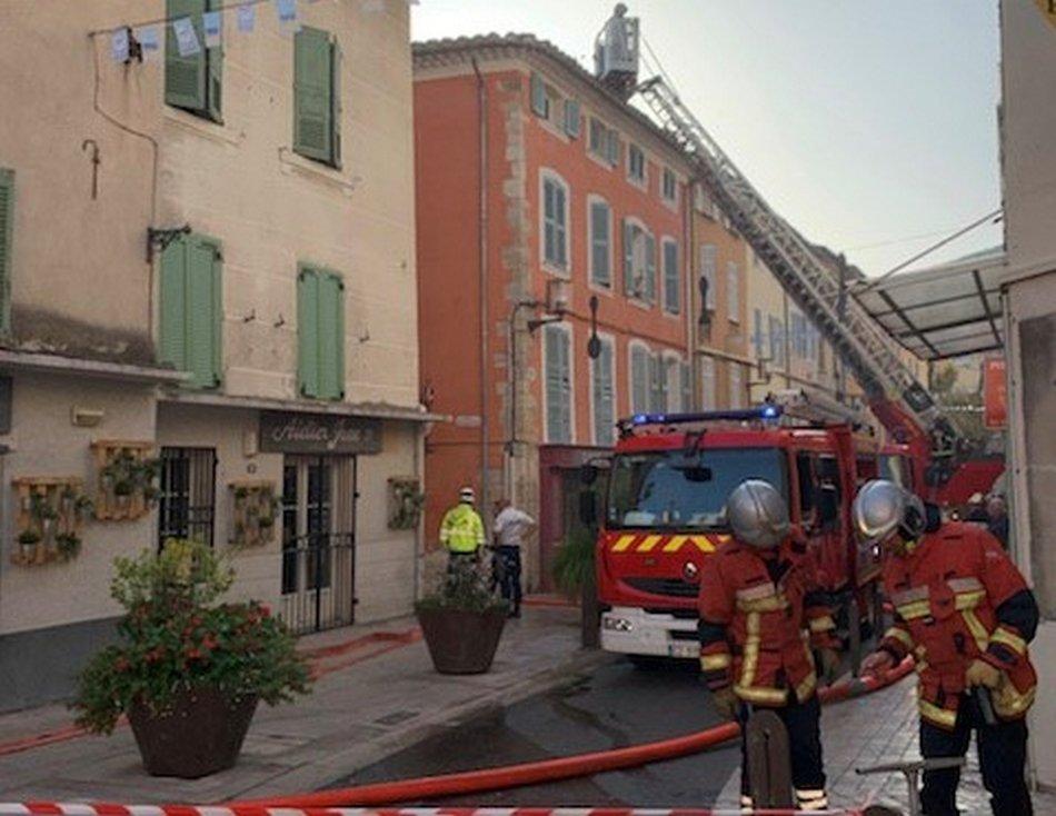 Feu d'appartement, un immeuble évacué 1