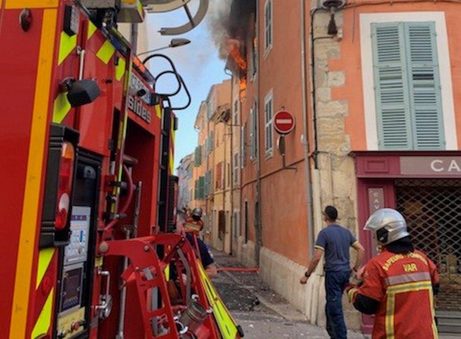 Feu d'appartement, un immeuble évacué 2