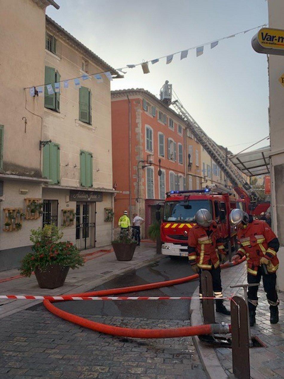 Feu d'appartement, un immeuble évacué 3