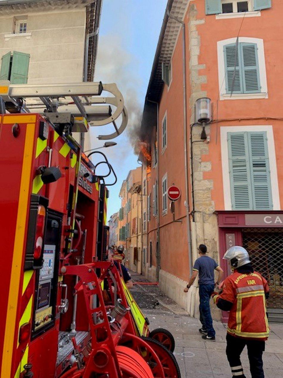 Feu d'appartement, un immeuble évacué 4