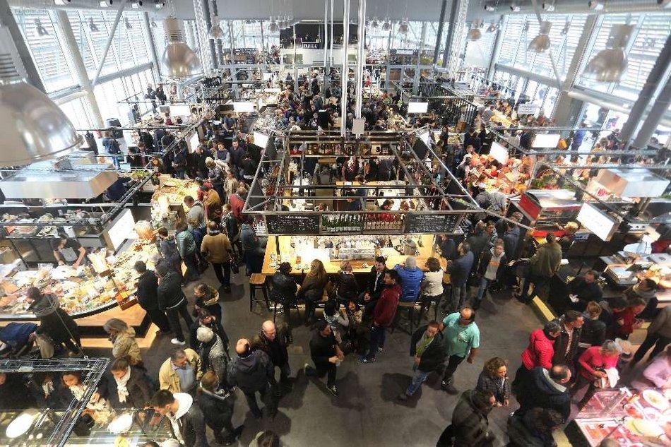les-commerces-sont-repartis-sur-un-espace-de-1000-metres-carres(c)Biltoki