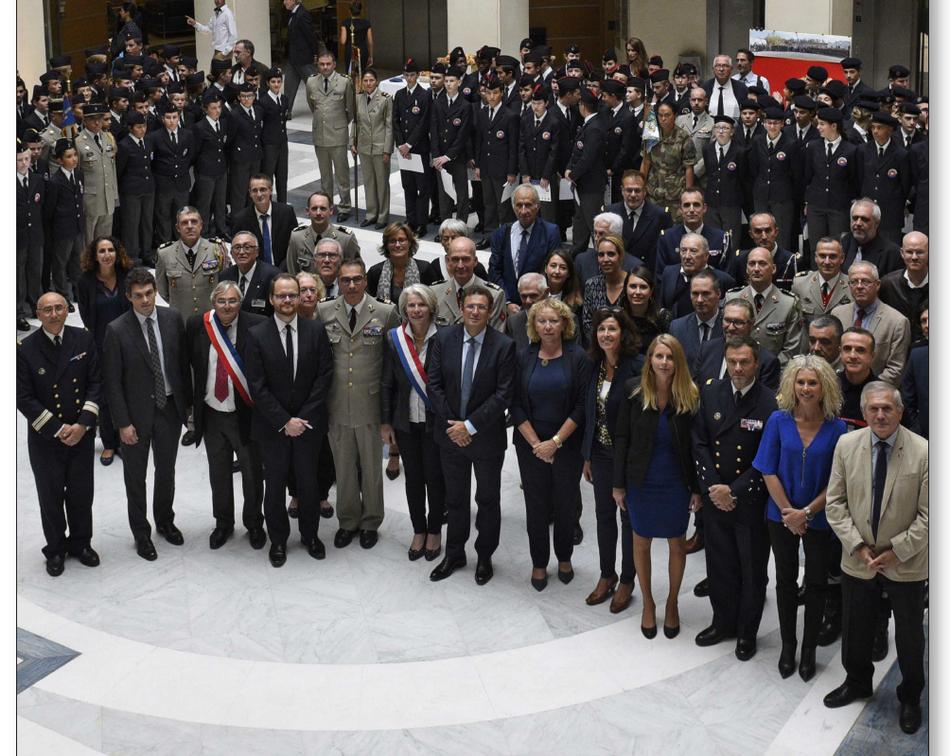 Cérémonie d'installation des 210 cadets de la Défense du Var
