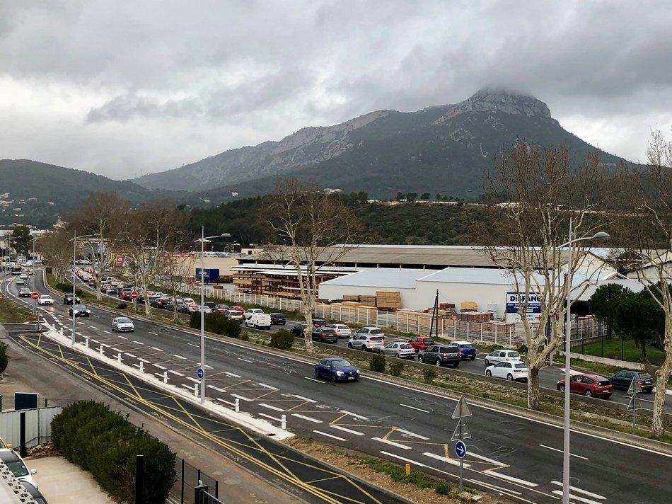 Embouteillage La Garde 1