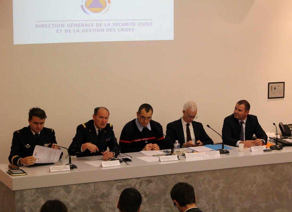 Les responsables locaux et de la Préfecture maritime se réunissent 1