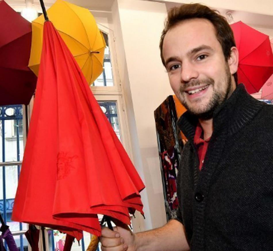 Le Parapluie de Cherbourg se mobilise pour fabriquer des masques anti-projection 1