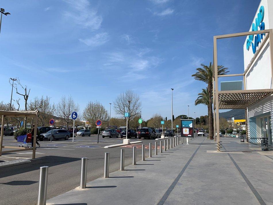 parking vide samedi 21 mars
