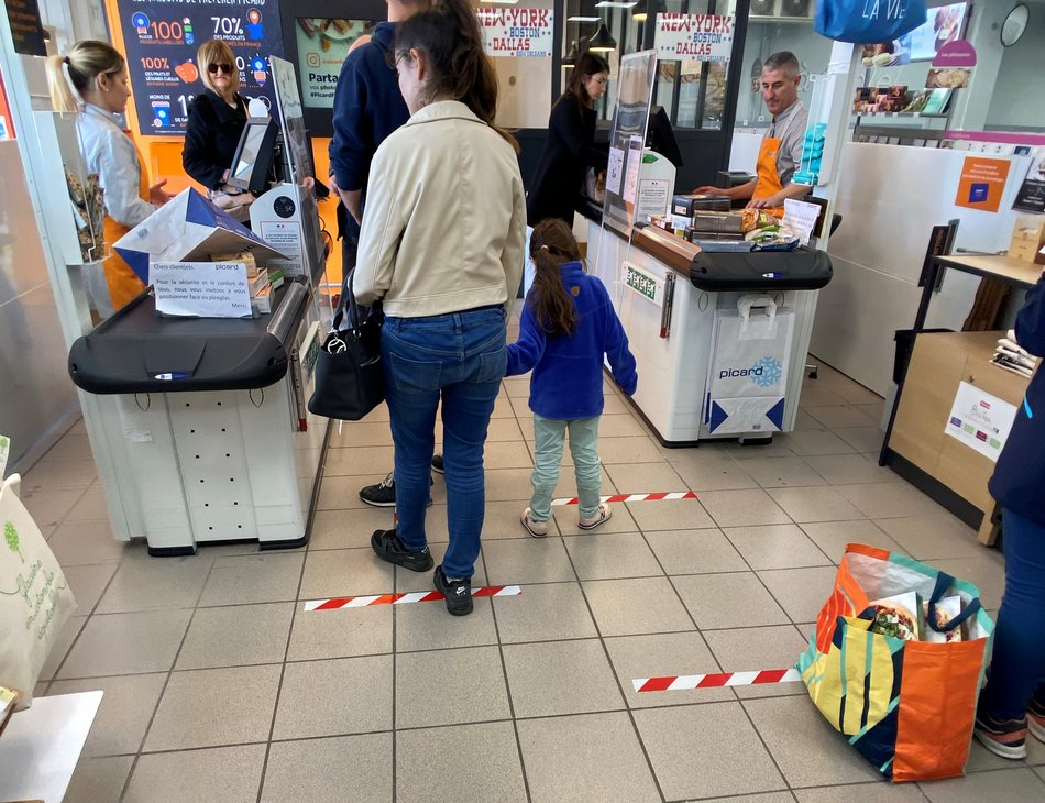 coronavirus dans les grands magasins