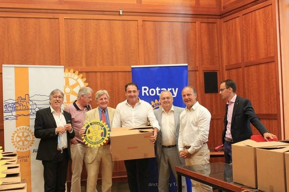 Le Rotary Club d'Antibes Juan les Pins offre 10