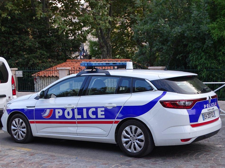 POLICE 21