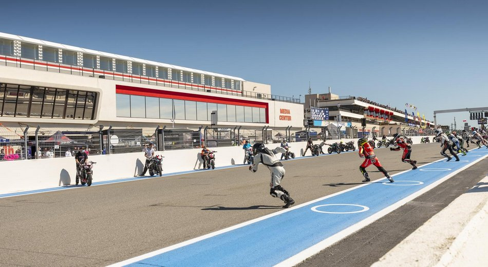 Que le spectacle commence sur le Circuit Paul Ricard !